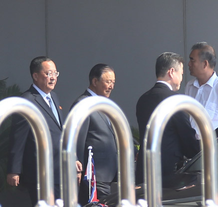 '유엔총회 참석' 리용호 북한 외무상 베이징 도착