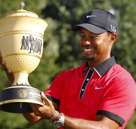 골프황제의 화려한 귀환…우즈, 1천876일 만에 80번째 우승