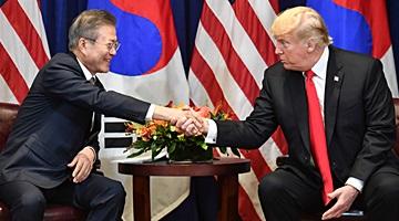 한미정상, 북미정상회담·종전선언 깊게 논의…대북제재는 지속