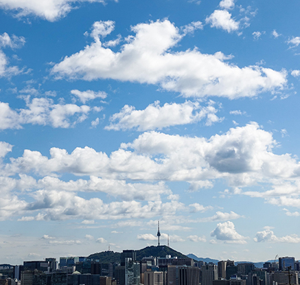 추석 연휴 마지막 날, 쾌청한 하늘