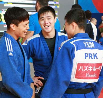 합동 훈련하는 남북 유도대표팀
