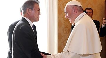 """교황 """"공식초청장 오면 북한 갈 수 있어…두려워 말고 나아가라"""""""