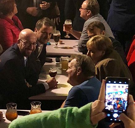 브렉시트 전환기간 연장…메르켈·마크롱, EU 정상회의 첫날 '심야 맥주 번개'