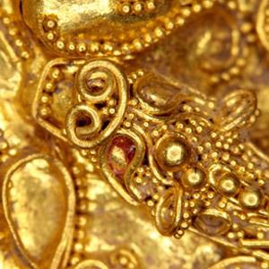 석암리 금제띠고리 용의 눈 부분