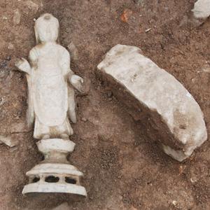 영덕 유금사에서 나온 9세기 금동여래입상