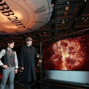 영국여왕 생일 행사장에 설치된 'LG 올레드 TV'