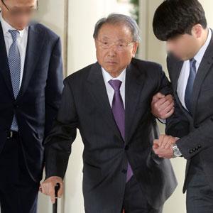 항소심 공판 참석하는 조석래 전 회장
