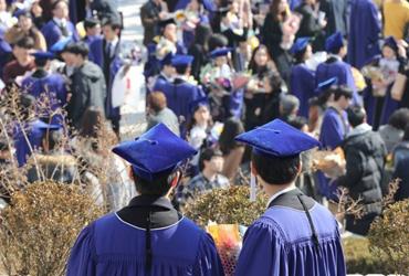 일자리 못구한 대학교 졸업자 40만명 돌파…실업자 3명중 1명
