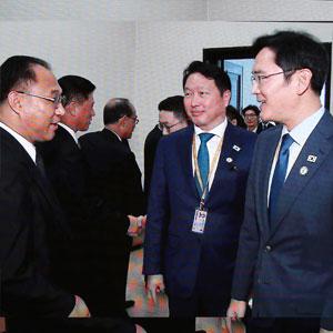 [평양정상회담] 북 리룡남 내각부총리 만난 이재용 최태원