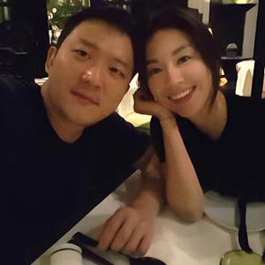 """배우 서유정 """"신랑 될 사람이에요"""""""