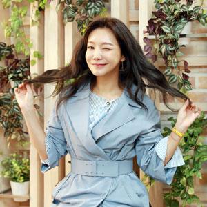 배우 신소율 '싱그러운 윙크'