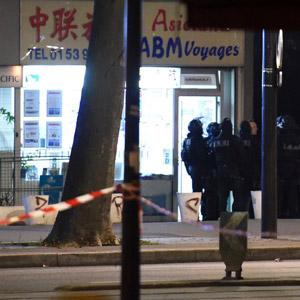 권총 강도 인질극 벌어진 파리 여행사