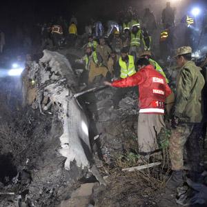 파키스탄서 여객기 추락…탑승자 48명 전원 사망