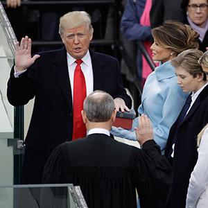 제45대 美대통령 취임 선서하는 트럼프