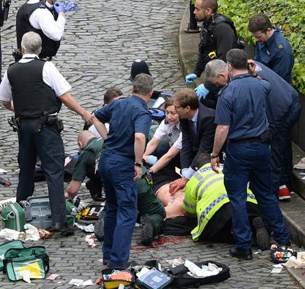 英 외무차관, 런던 테러 '영웅'으로