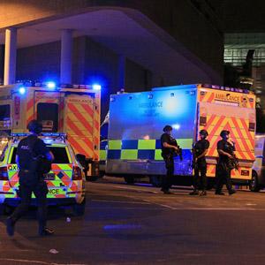 英맨체스터 경기장서 공연중 폭발…19명 사망·50여명 부상