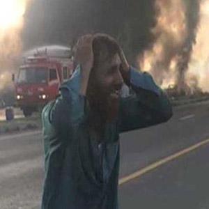 파키스탄 유조차 전복 화재 사고