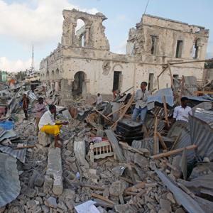 소말리아서 연쇄 차량폭탄 테러…최소 38명 사망