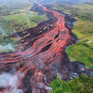하와이 화산폭발 첫 중상자 발생…용암 튀어 하반신 크게 다쳐