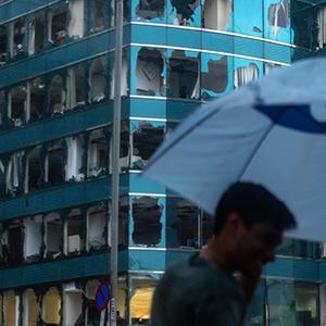 처참히 깨진 창문…태풍 '망쿳' 홍콩 강타
