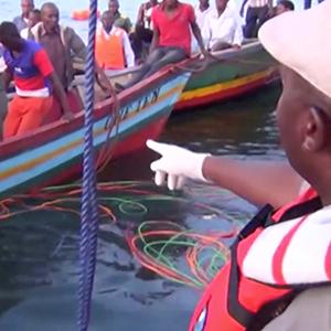 탄자니아 호수서 페리 전복…최소 136명 사망
