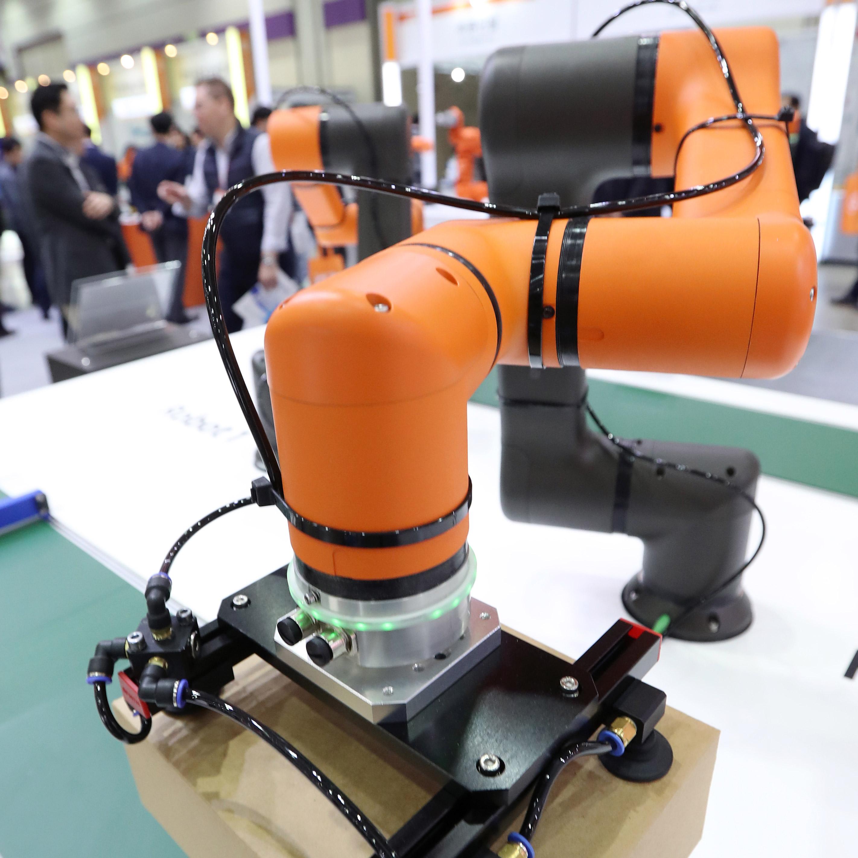 점점 더 발전하는 스마트 로봇