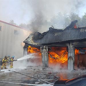 속초 폐차장 창고 화재