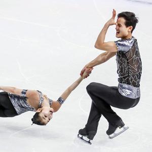 세계피겨대회서 北선수 페어 연기