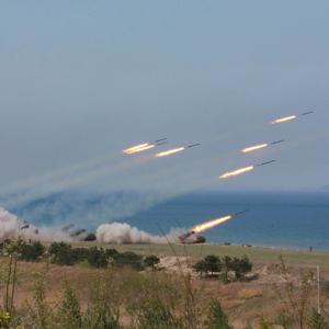 북한 군종합동타격시위