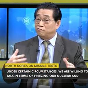 """주인도 북한 대사 """"美 군사훈련 중단하면 핵실험 중단 가능"""""""