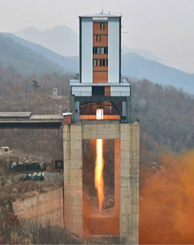 北, ICBM 2∼3단 엔진시험 추정…추진체 완성 바짝 접근