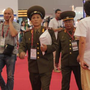 러시아 무기전시회에 참석한 북한 대표단