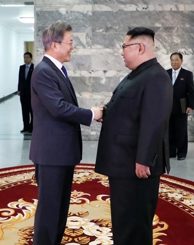 김정은, 연이은 파격…북미정상회담 성사 총력