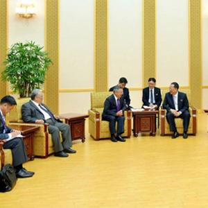 리용호 북 외무상, 몽골 대통령 사무국장 접견