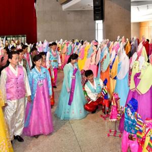 북한 '제16차 전국 조선옷전시회'