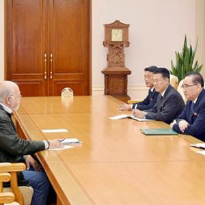 북한 리수용, 덴마크 공산당 위원장 면담