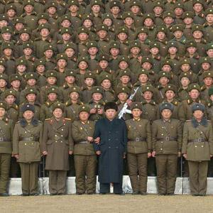김정은, 트럼프 新행정부 출범 전후로 군사행보