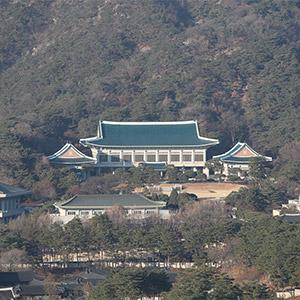 '직무정지' 朴대통령 관저에서 특검·탄핵심판 대비