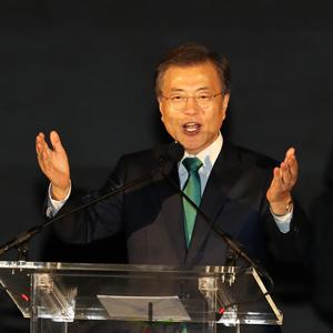 평창올림픽 홍보하는 문 대통령