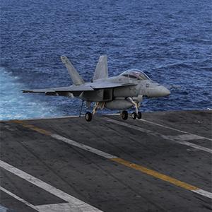 동해서 훈련하는 미 핵항모 레이건호…착륙하는 전투기