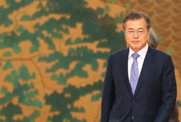 '드루킹' 대치로 꽉 막힌 국내정치에 문 대통령 고심