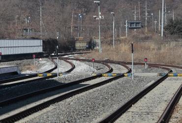 남북, 10년만의 철도·도로협력 논의…경협으로 교류 확대 모색