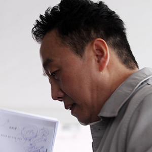 '성추행 의혹' 정봉주, 피고소인으로 경찰 출석