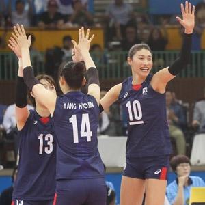 기뻐하는 한국 선수들