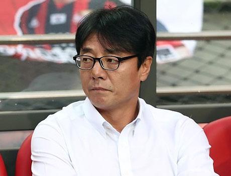 """K리그 올스타팀 이끄는 황선홍 감독 """"선수들 부상 없도록"""""""