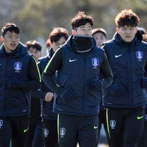 축구대표팀, 더블린 봄 햇살 맞으며 첫 훈련