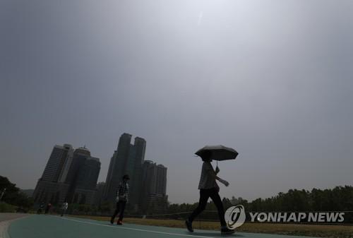 울산 맑고 낮 최고 30도 예상…미세먼지 '나쁨'