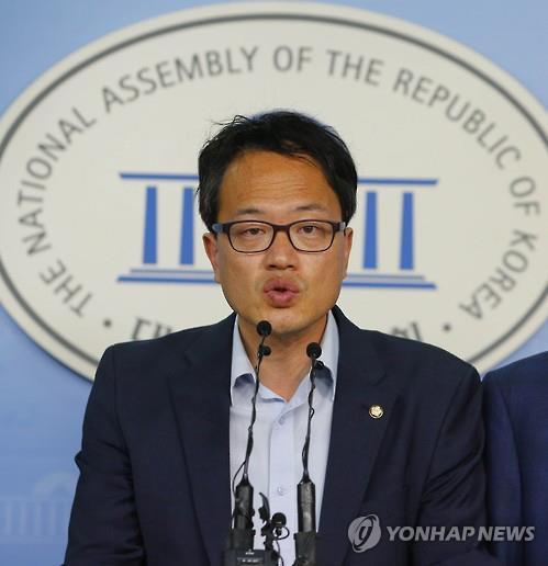 共同民主党议员朴柱民 (韩联社)