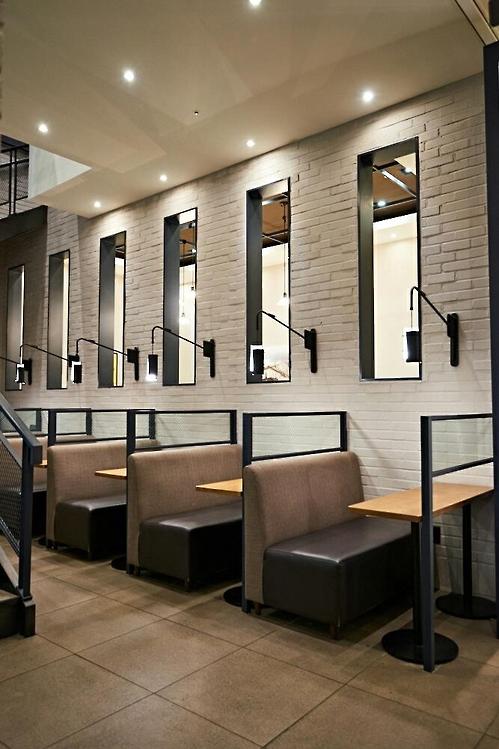 资料图片:豪丽斯咖啡厅单人座