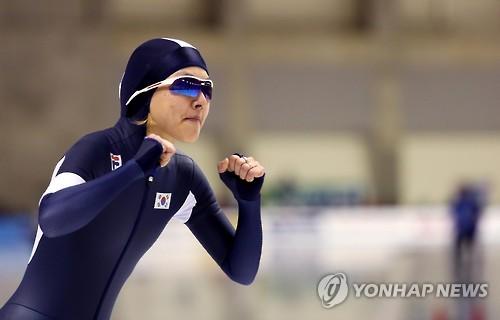 结束比赛的速滑选手金宝凛(韩联社)